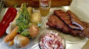 Reteta Ciorba Taraneasca cu Afumatura (Costita Afumata) - ingrediente