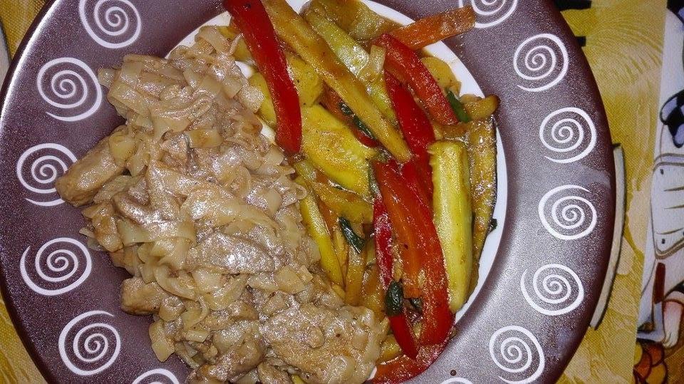 Reteta simpla carne de porc cu legume la tigaie